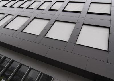 Вертикални фасадни сенници