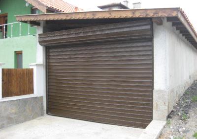 метална врата